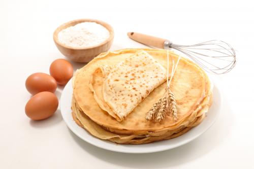 Crepes Super Rapides Pour 5 Personnes Recette Desserts Et Crepes