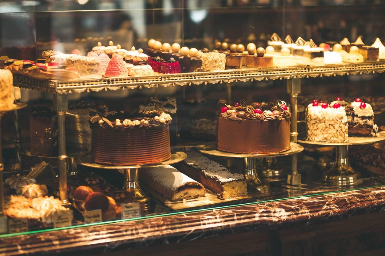 Vitrine réfrigérée pour gâteaux